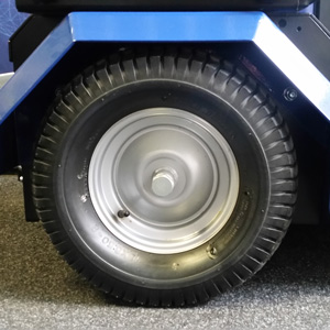 Full rubber tires HortiTrike